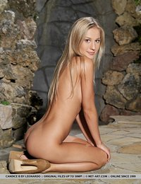 erotic blondes nude pics